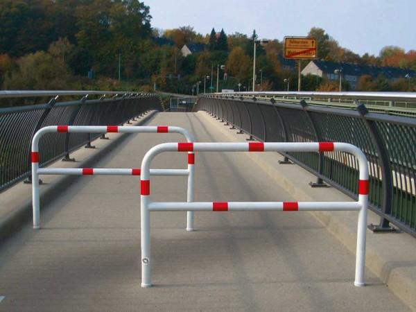 Wegesperre aus Stahlrohr Ø 60 mm, herausnehmbar, drehbar