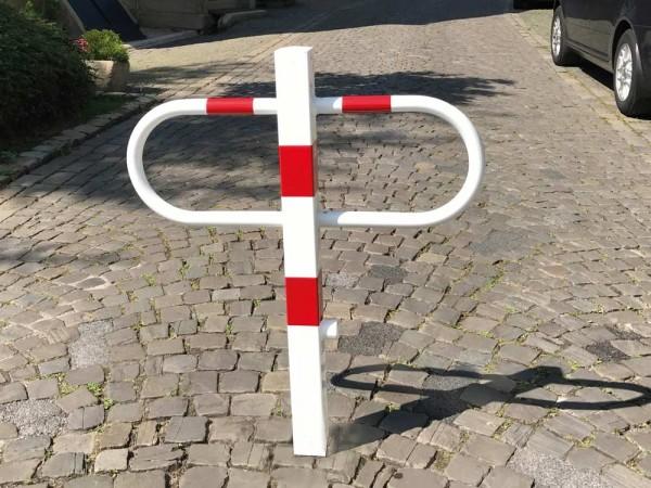 Durchgangs- und Parkplatzsperre, herausnehmbar mit Dreikantverschluss
